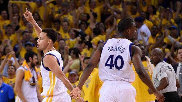 Batı finalinde açılışı Golden State Warriors yaptı