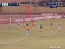 فيديو .. حارس يحرز هدفا رائعا.. لا يعيبه سوى أنه في مرماه!