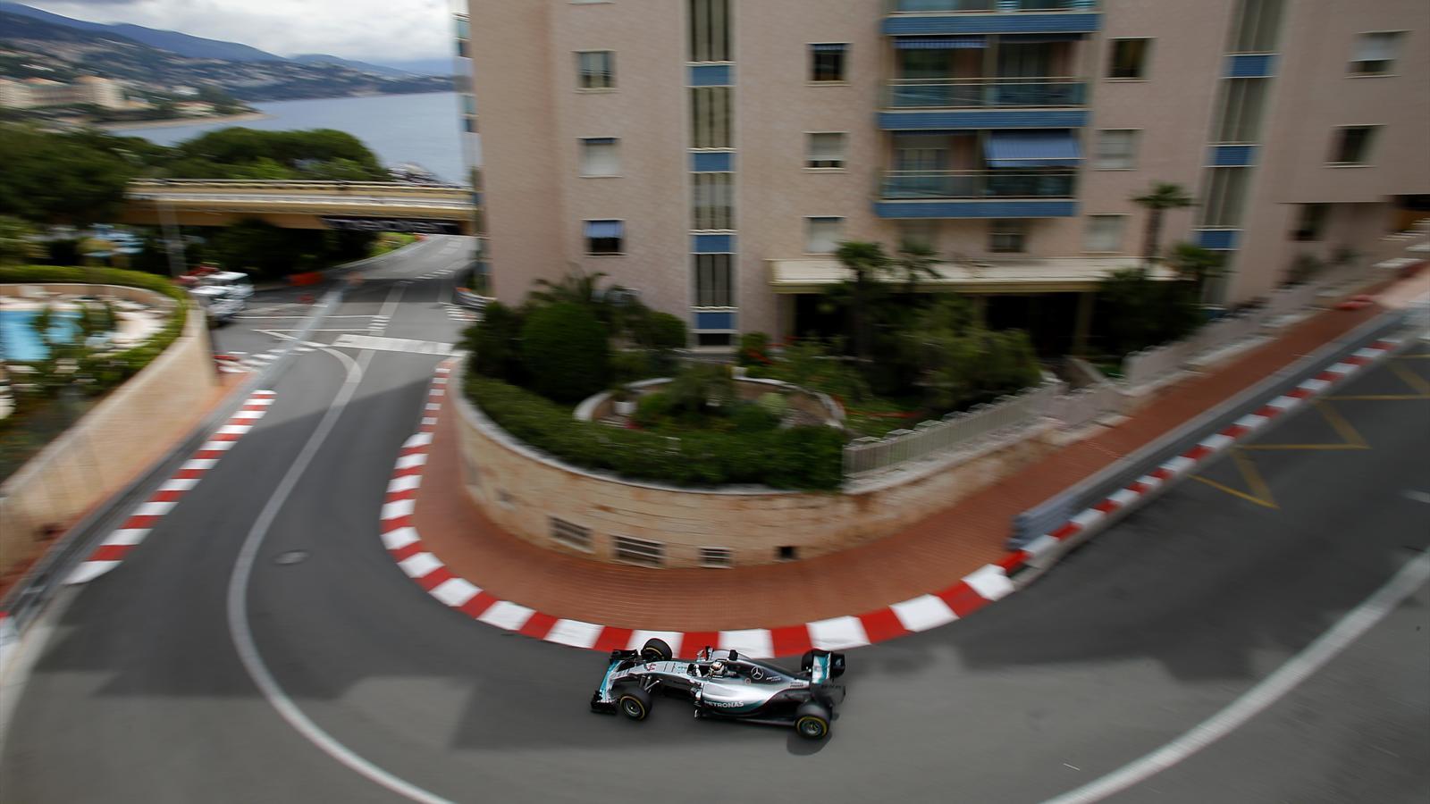 Spécial Sebastian Vettel (Formule un) - Page 20 1571490-33427182-1600-900
