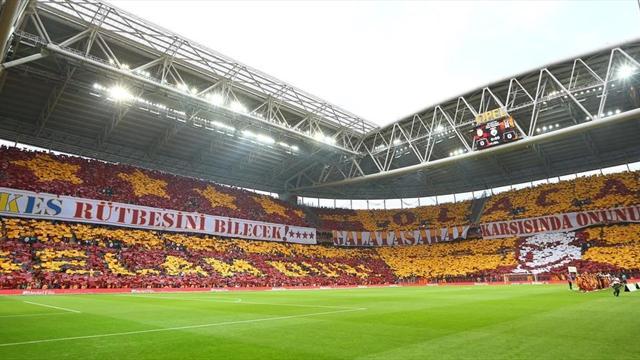 Galatasaray'ın taraftarları da şampiyon