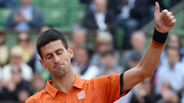 Malgré un petit trou d'air, Djokovic avance les yeux fermés