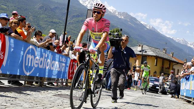 Aru enchaîne, Contador tire la langue mais a course gagnée