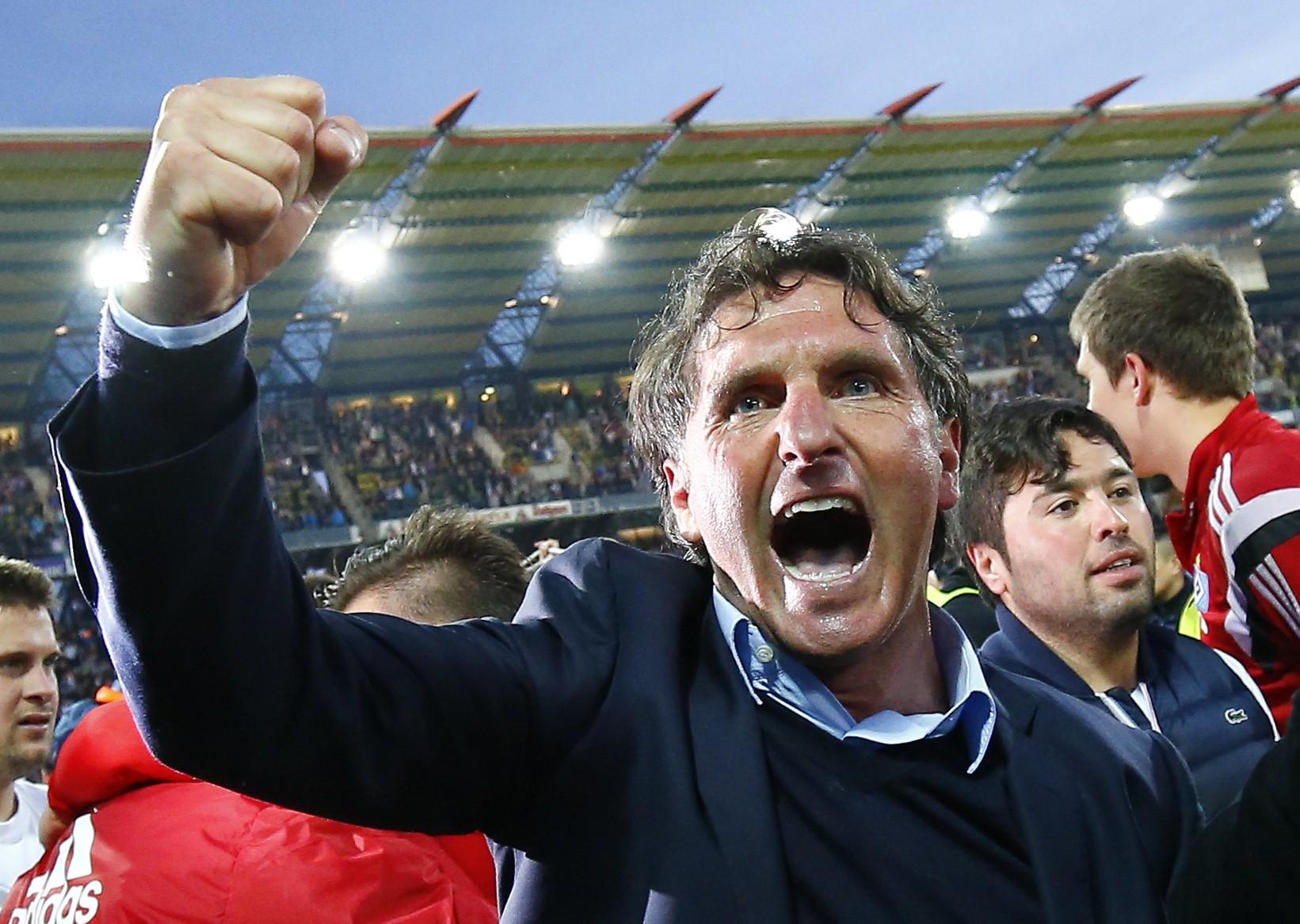 Hamburg SV's coach Bruno Labbadia celebrates after their German Bundesliga second leg relegation playoff soccer match against Karlsruhe SC in Karlsruhe, Germany June 1, 2015