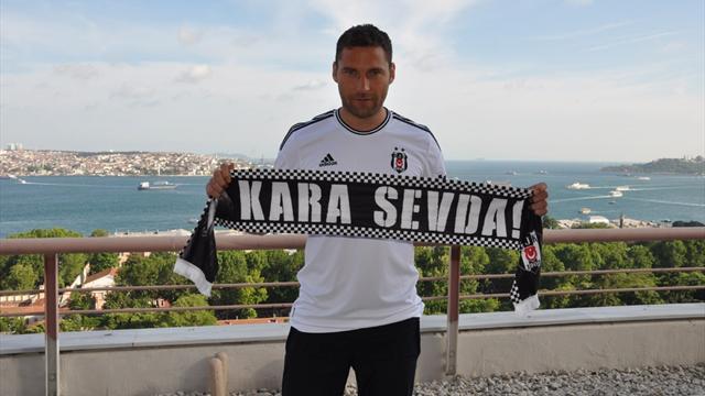 Beşiktaş ilk imzayı attırdı