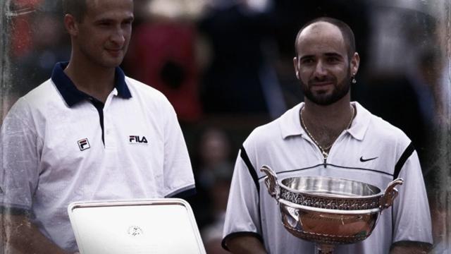Le conte d'Henri : En 1999, une finale entre deux hommes en pleine résurrection, Agassi et Medvedev