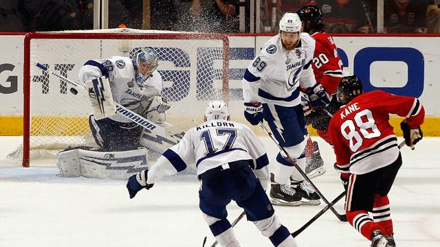 NHL Stanley Cup Finals: colpo Chicago, serie sul 2-2