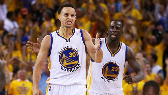 Avec un Curry grandiose, les Warriors touchent au but