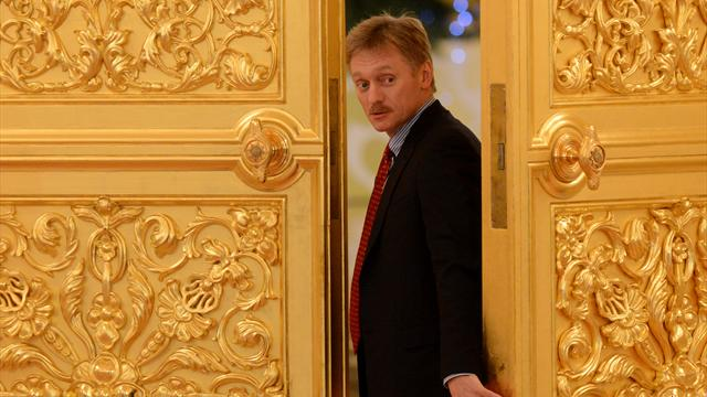 """Le Kremlin dénonce les """"calomnies d'un transfuge"""""""