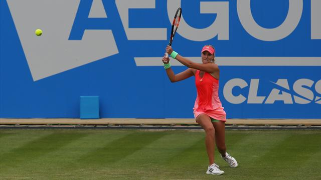 Kristina Mladenovic élimine Simona Halep, 3e mondiale, pour rejoindre les demi-finales