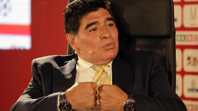 Дель Потро подарил победную ракетку Марадоне