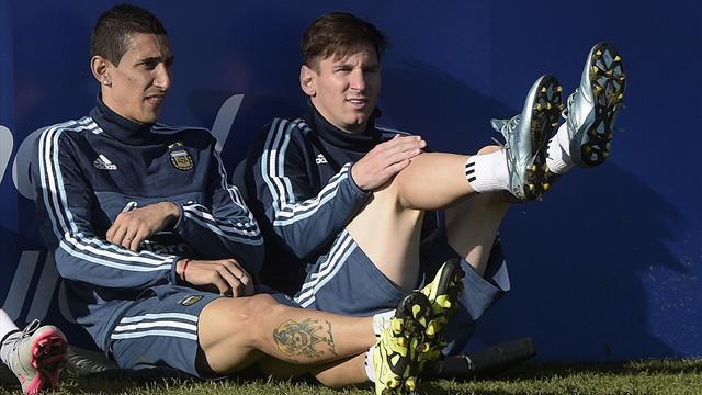 Messi 'wants Di Maria to join him at Barcelona'