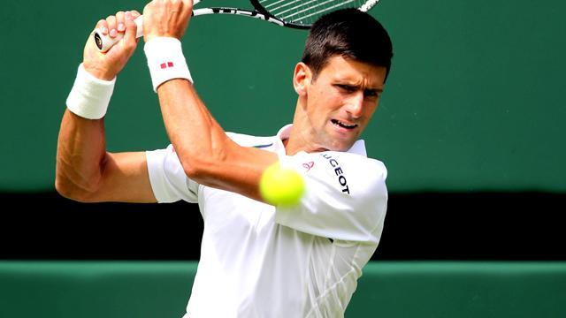 Djokovic commence par un bon bras de fer