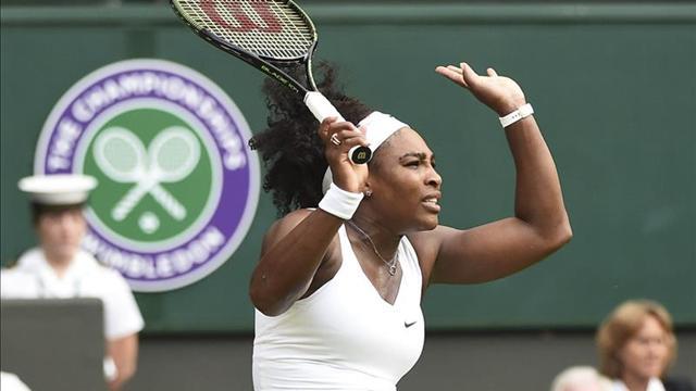 Serena Williams avanza hacia la tercera ronda de Wimbledon