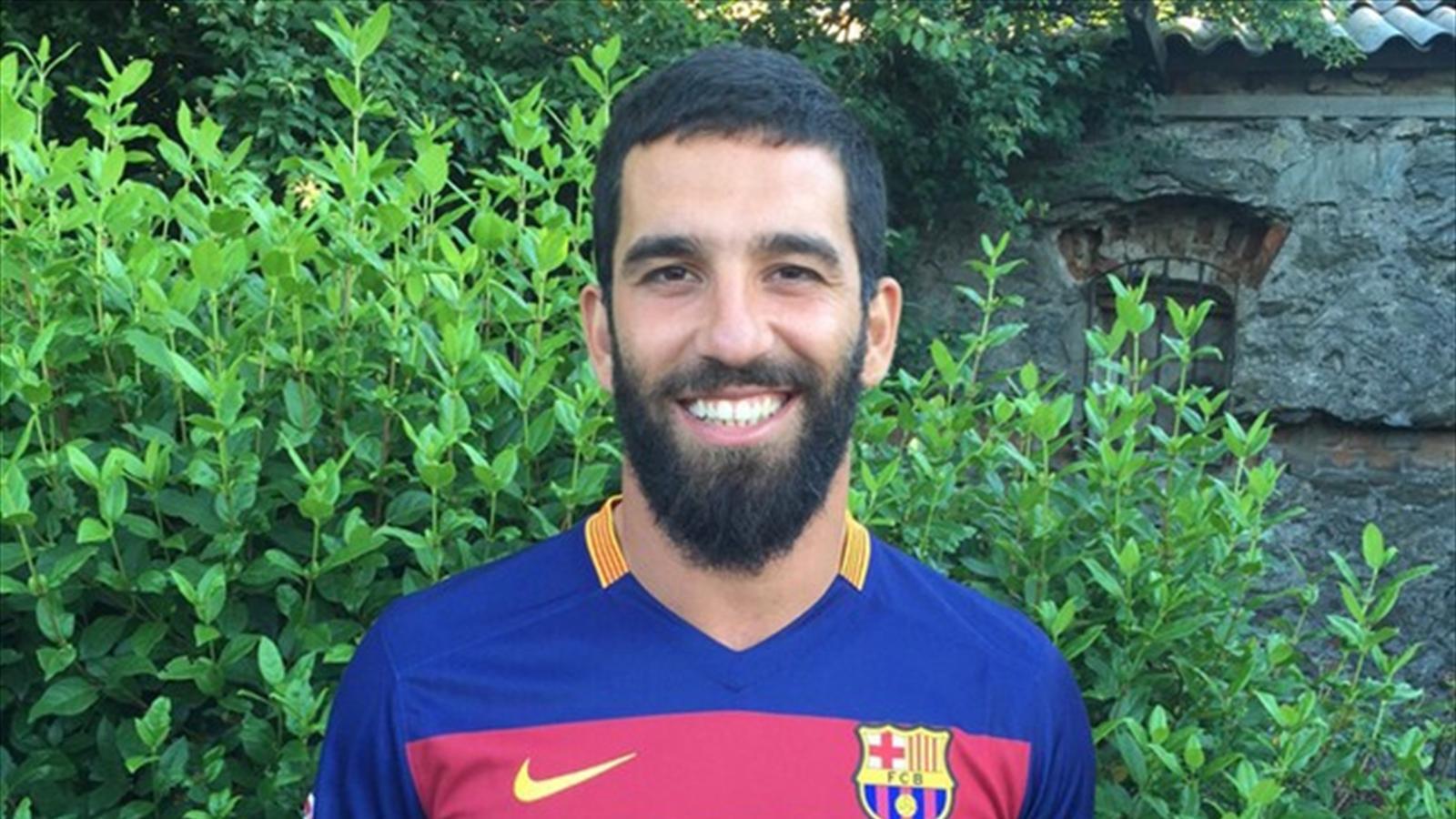 Arda Turan Barcelona formasıyla