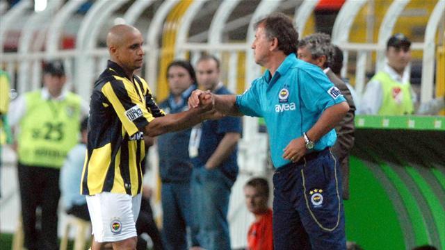 Roberto Carlos: Zico, FIFA başkanlığı için mükemmel aday