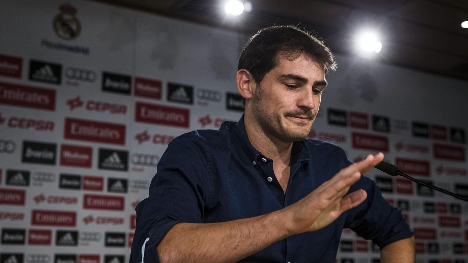 Голкипер «Реала» Икер Касильяс расплакался на прощальной пресс-конференции