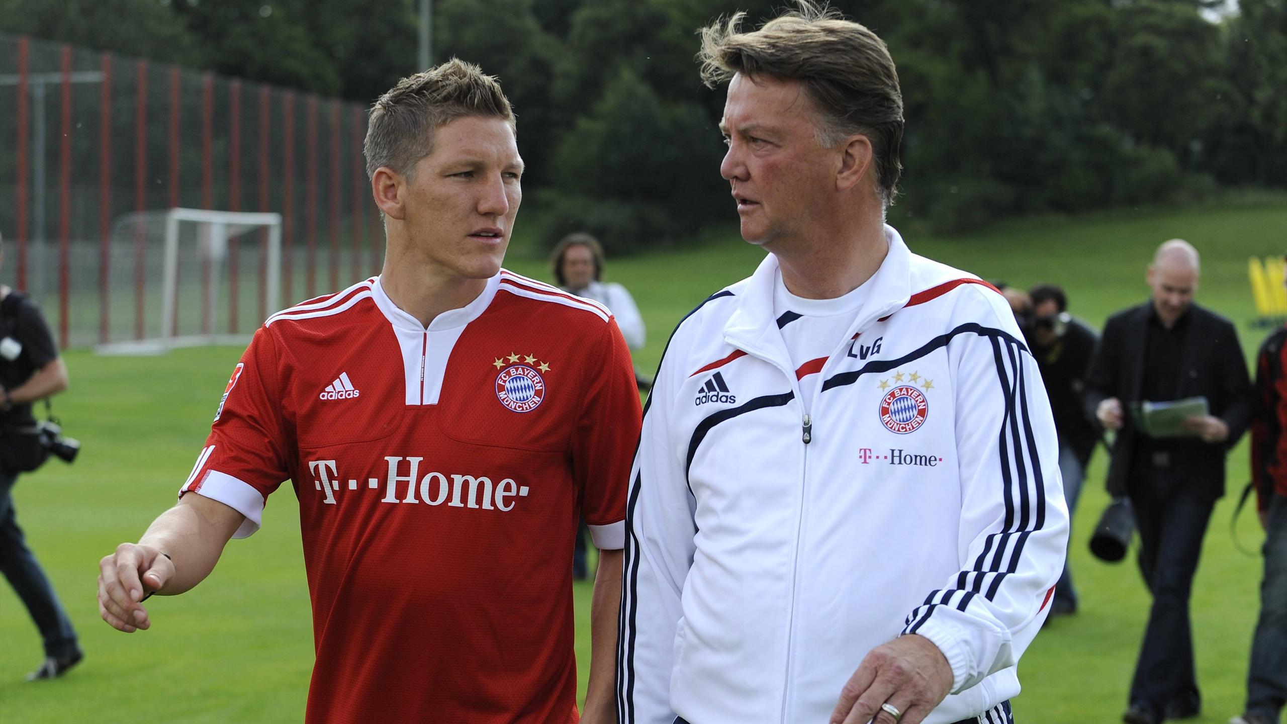 Manchester United Manager Louis Van Gaal Hails Bastian