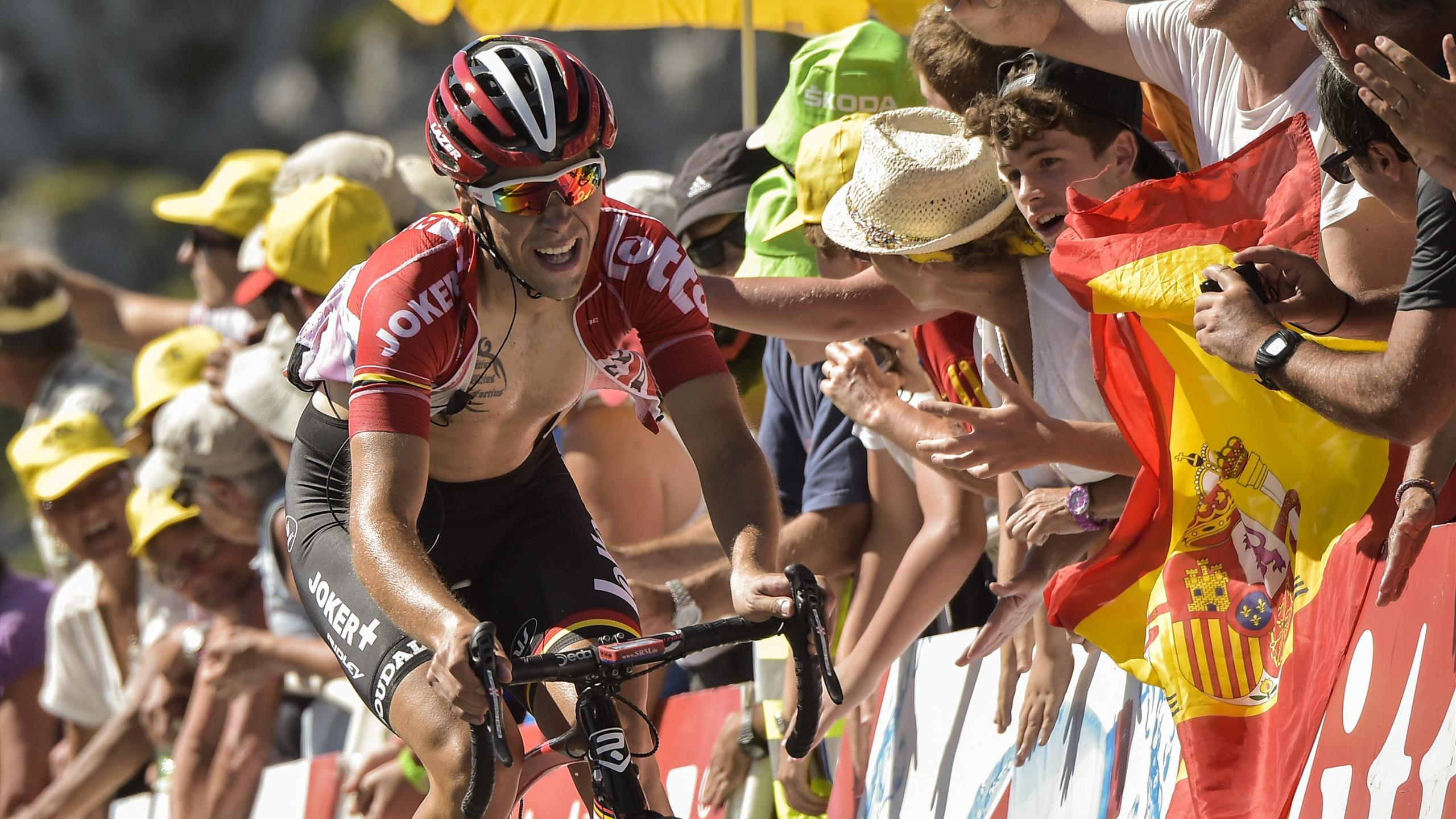 Tony Gallopin (Lotto-Soudal) s'arrache dans l'ascension vers la Pierre-Saint-Martin, arrivée de la 10e étape du Tour de France 2015