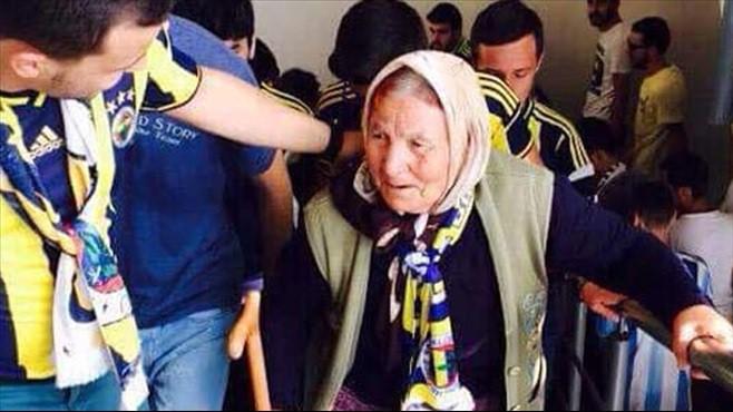Yaşlı Fenerbahçe taraftarı