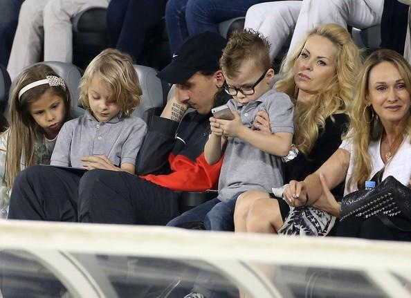 Златан ибрагимович с детьми