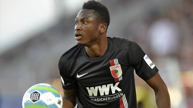 Abdul Rahman Baba vom FC Augsburg hat ein Angebot vom FC Chelsea