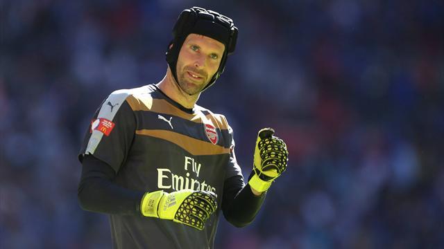 Чех сыграл 3 матча за «Арсенал» и выиграл 3 трофея
