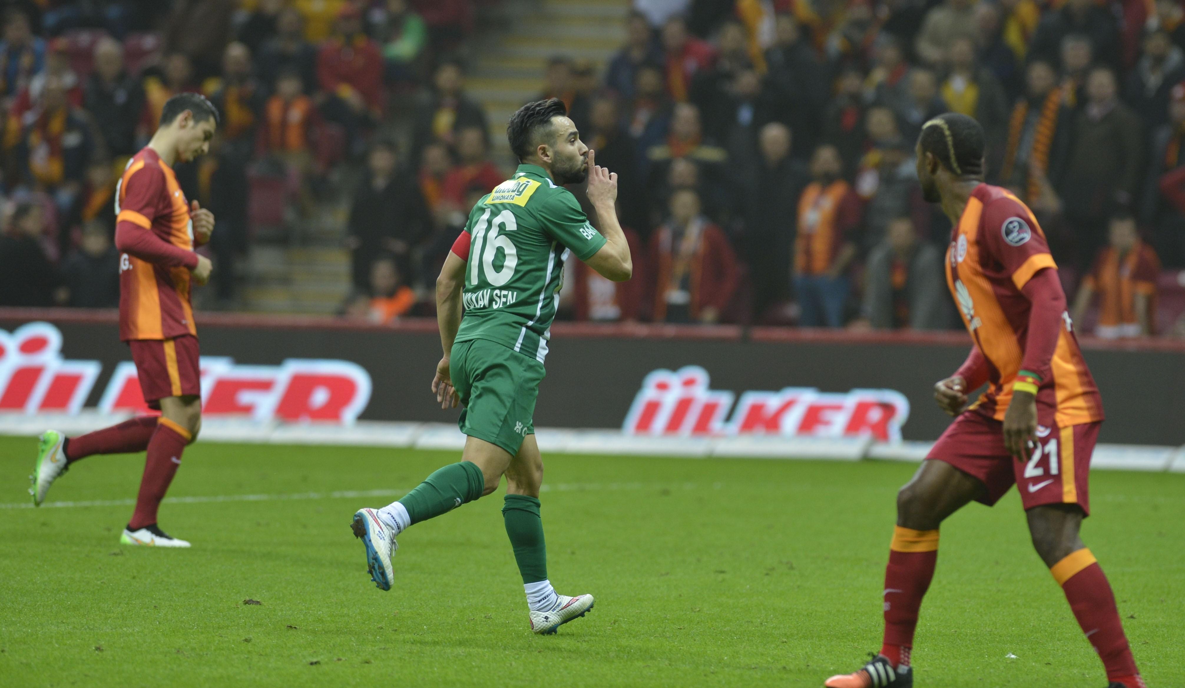 Galatasaray - Bursaspor maç özet, maçın geniş özetini izle. Maçın golleri ve önemli anlarını izle