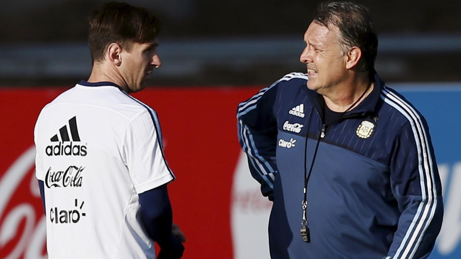 مارتينو: لو كنت ميسي لتوقفت عن اللعب لمنتخب الأرجنتين