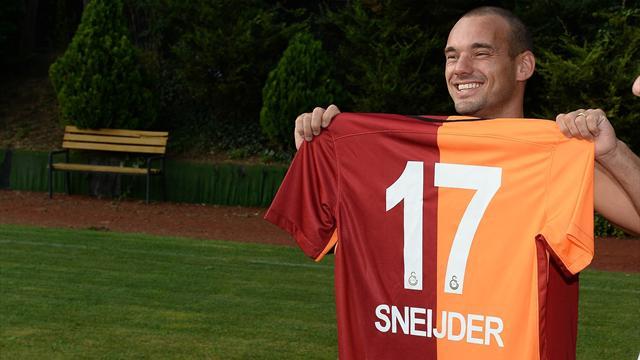 Galatasaray 10 haftada sattığı formayı 10 günde sattı