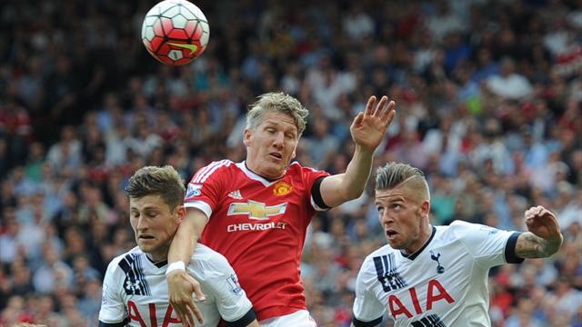Sans forcer et avec un peu de réussite, Manchester réussit sa première