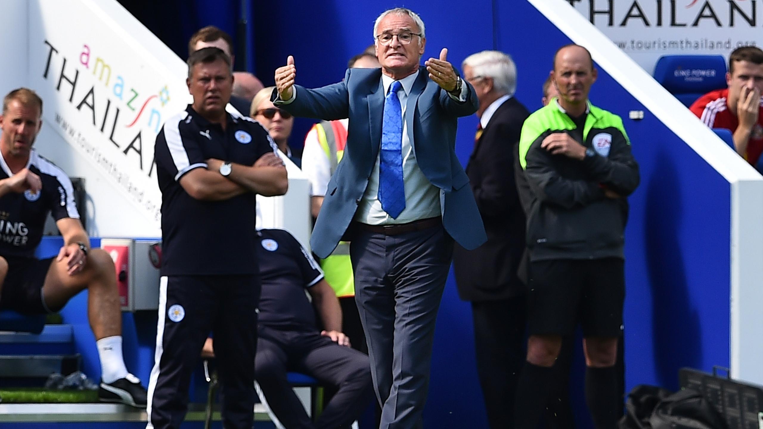 Claudio Ranieri lors de son premier match de Premier League sur le banc de Leicester