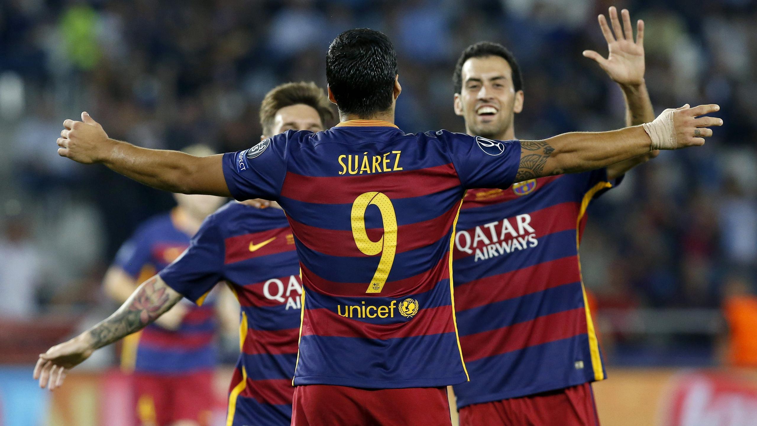Luis Suárez celebrando el cuarto gol del FC Barcelona ante el Sevilla