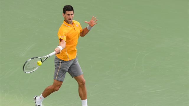 Djokovic rapidement dans le rythme, Raonic déjà sorti