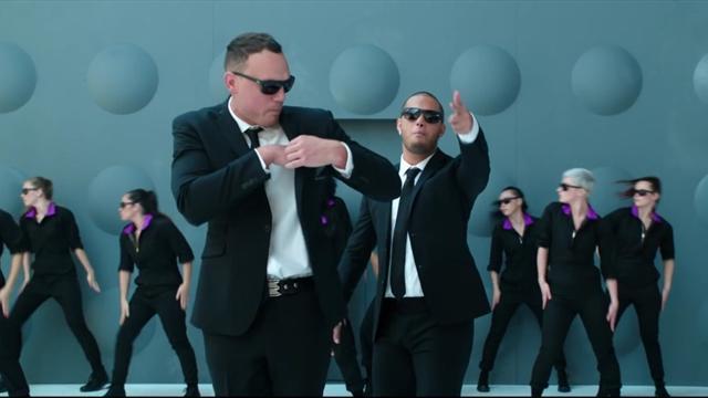 Les Néo-Zélandais se la jouent Men in Black dans un spot délirant