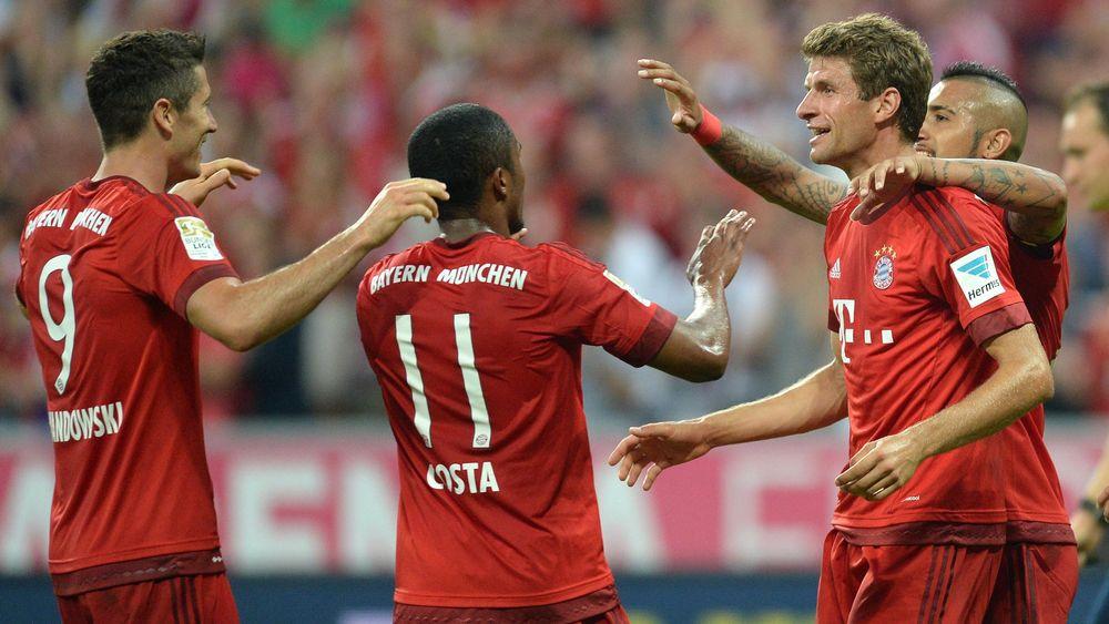 Bayern Munich celebrate a goal against Hamburg