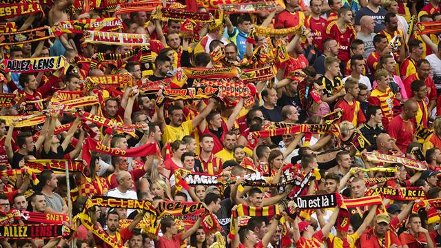 """""""Il y a eu un match de Ligue 1 tout à l'heure..."""" : Quand le speaker de Lens chambre le LOSC"""