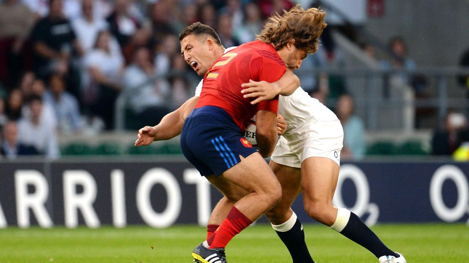 Dimitri Szarzewski (XV de France) face à Sam Burgess (Angleterre) - le 15 août 2015