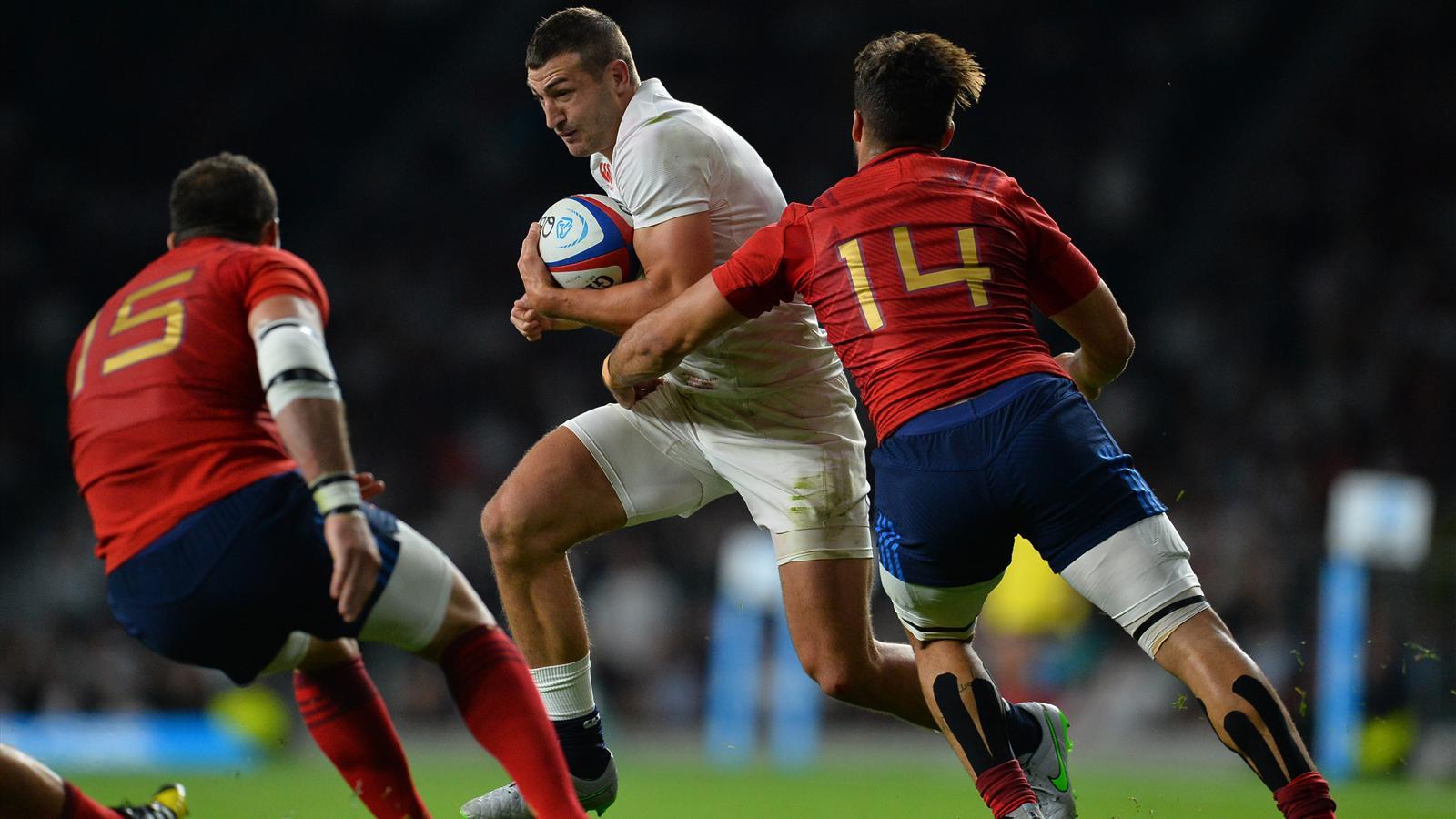 Sofiane Guitoune (XV de France) en difficulté face à Jonny May (Angleterre) - 15 août 2015