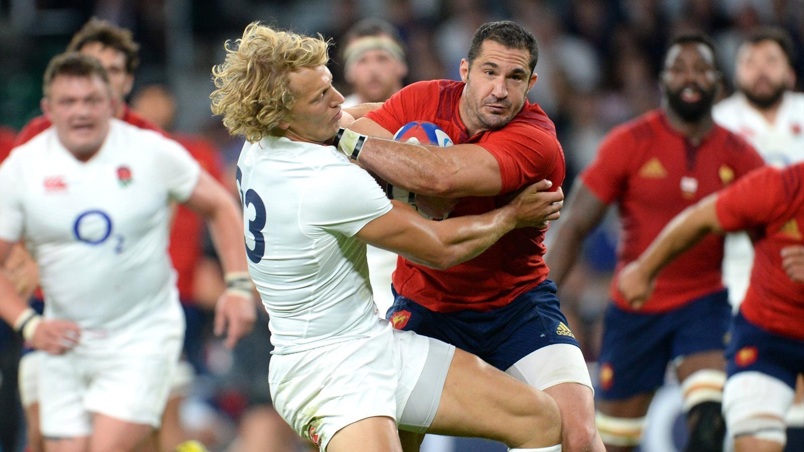 Scott Spedding (XV de France) charge Billy Twelvetrees (Angleterre) - 15 août 2015