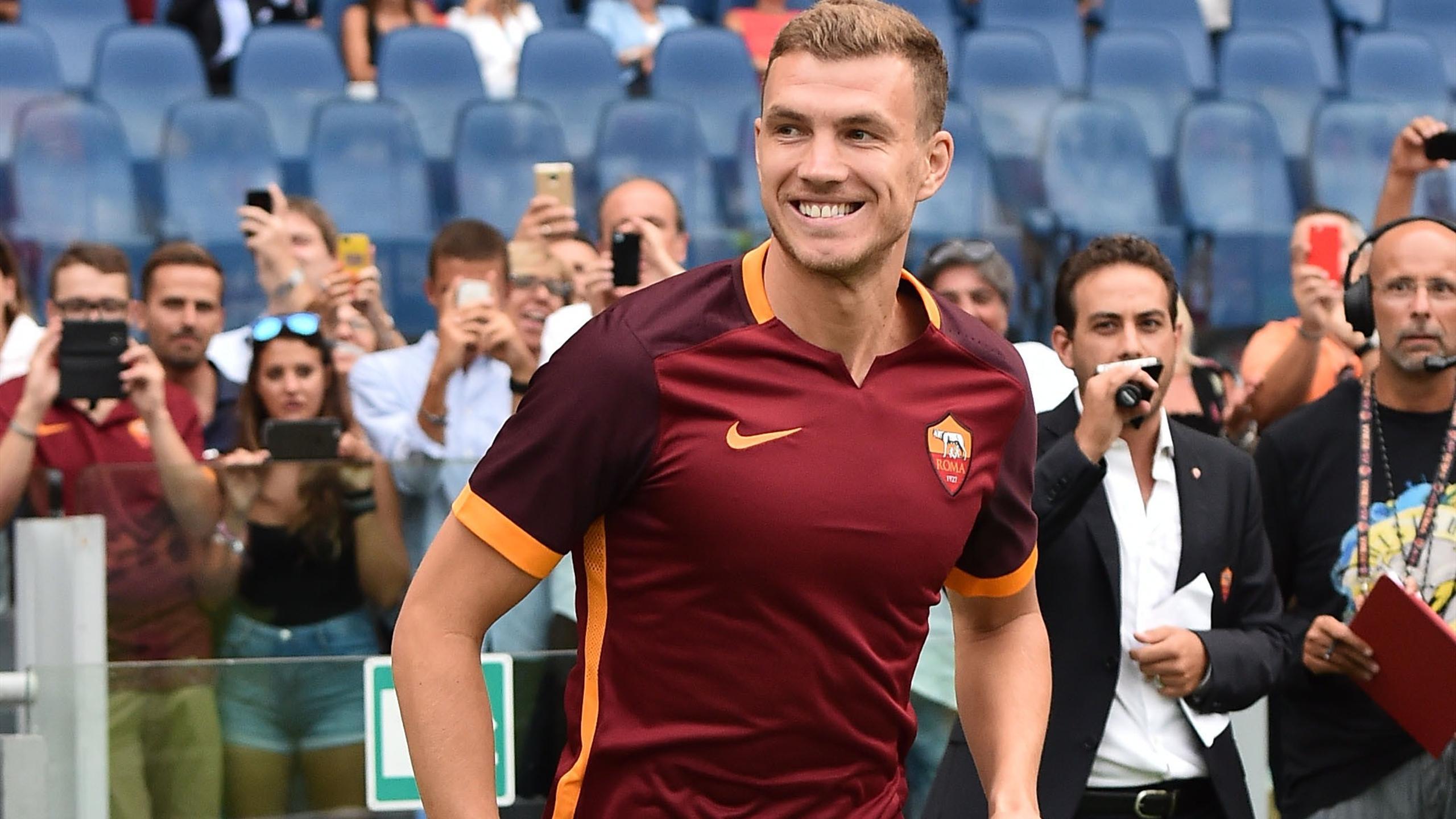Edin Dzeko lors du match de préparation de la Roma contre Séville