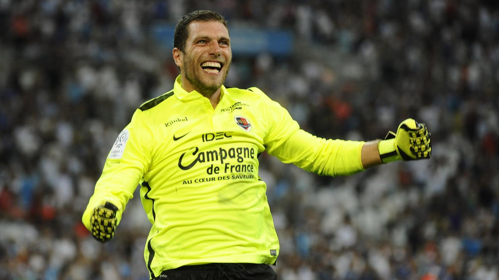 Rémy Vercoutre tout sourire après la victoire de Caen à Marseille (saison 2015-2016)