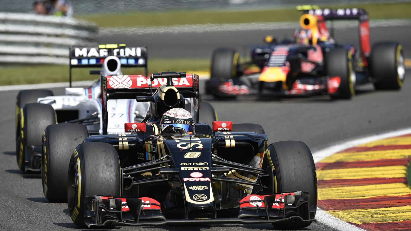 Romain Grosjean, au volant de sa Lotus, sur le circuit de Spa-Francorchamps - Grand Prix de Belgique 2015