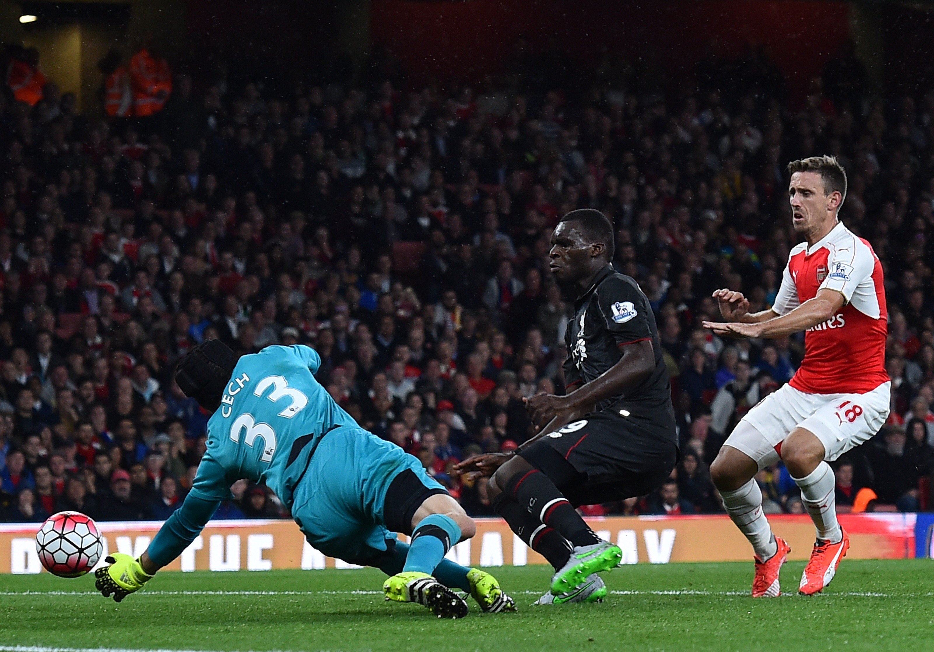 МЮ упустил победу с Арсеналом, первое место Челси в итогах 12-го тура АПЛ