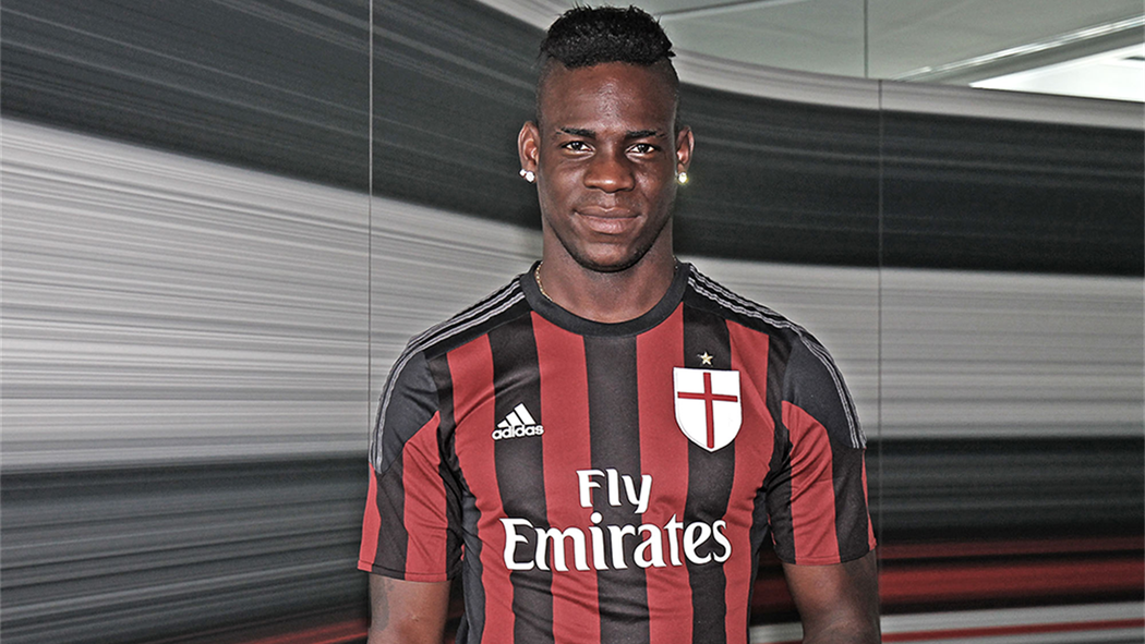 buy popular 149a3 24dc5 Mario Balotelli shows how he loves AC Milan 'more than ever ...