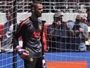 هل رد مانشستر يونايتد الدين إلى ريال مدريد؟.. ودي خيا لا يعرف مستقبله