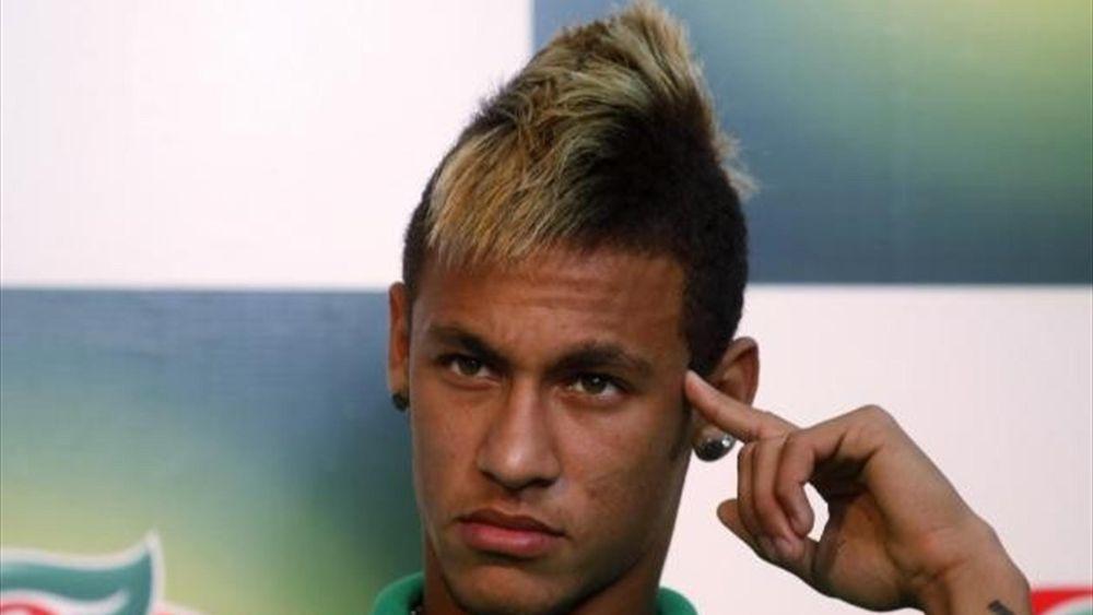 Brazil forward Neymar on the bench (Twitter)