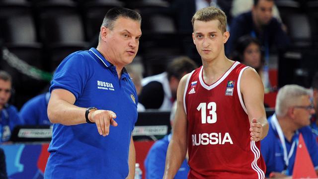 Сборная России проиграла первый матч на Евробаскете