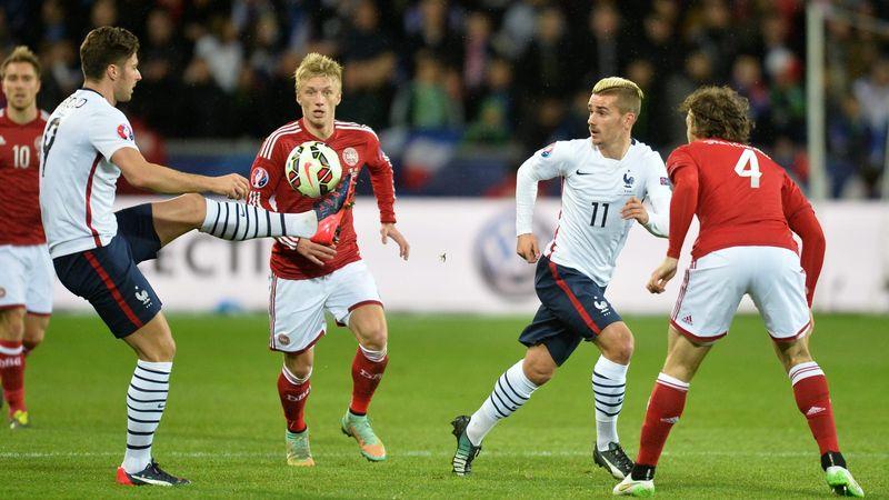 Oliver Giroud et Antoine Griezmann lors de France-Danemark - 2015