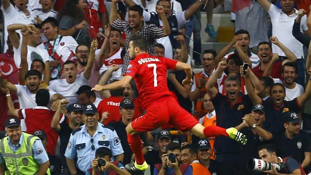 Türkiye'nin Euro 2016'ya doğrudan katılma umutları arttı