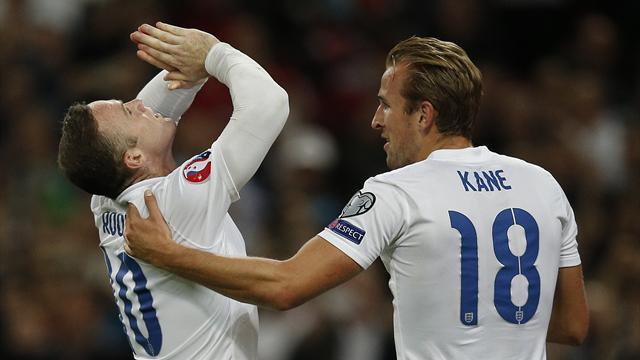 L'Angleterre fête le cinquantenaire de Rooney, désormais seul devant Charlton
